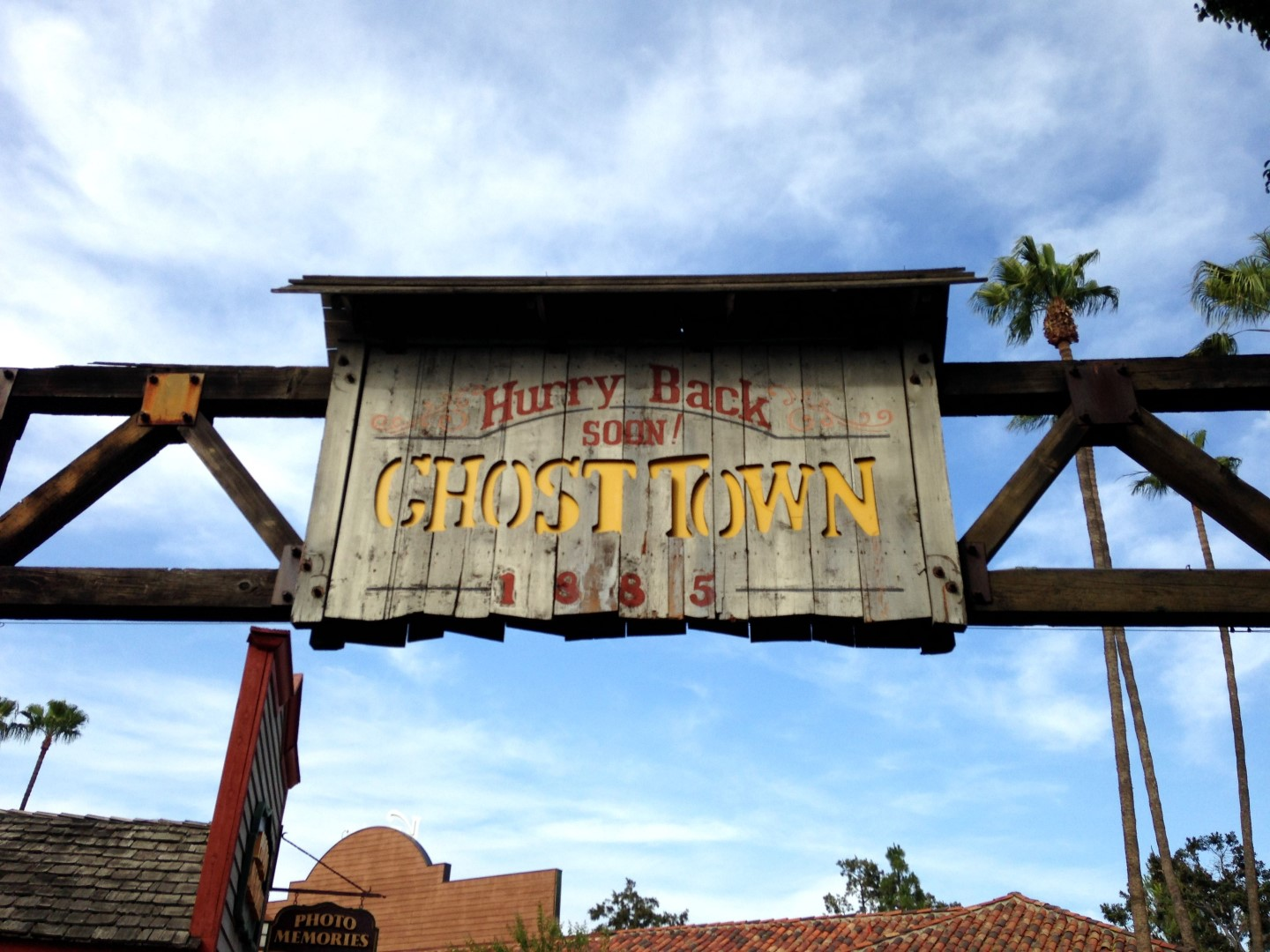 Tghosttownsign (Large)